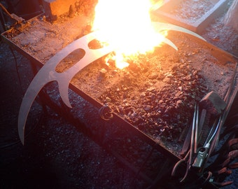 Hand Forged Klingon bat'leth. Made To Order.