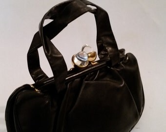 1950's Purse Boho Black Leather Handbag Lucite Acorn Kiss Lock Top Handle Vintage Indie Shoulder Bag  Black Leather Clutch Day Purse