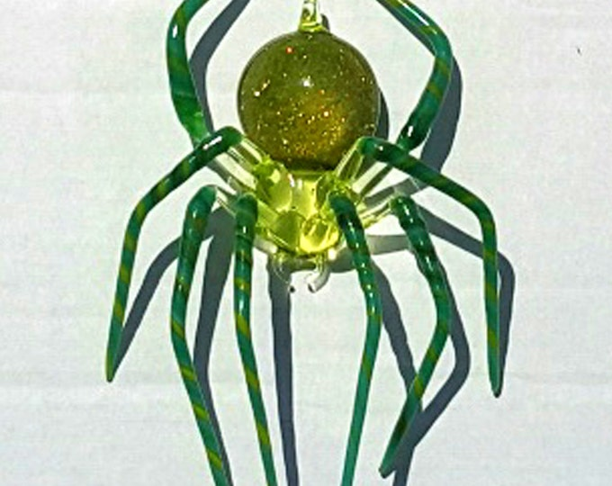 Medium Green Spider with Striped legs and Aventurine in the abdomen