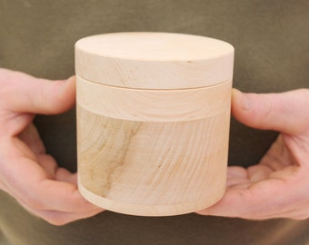 100 mm x 100 mm round unfinished wooden box - with cover - natural, eco friendly - 100 mm diameter