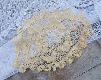 """vintage handmade Crochet knit off white taupe khaki tan 15"""" oval table setting doilie floral pattern knitted cloth coaster linen placemat"""