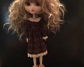 Lace trimmed dress for Blythe or Pullip