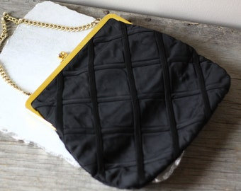 1950s black quilted clutch  // 1950s party clutch // vintage purse