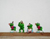 4 SMALL GREEN FROGS - mini toys, kids toy, frog collectibles, figurines, miniatures dolls, dollhouse accessoires, cake toppers, diy project