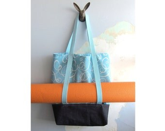 Yoga Tote, Yoga Bag & matching pouch - Set of 2 - Turquoise and off white spirales, navy base