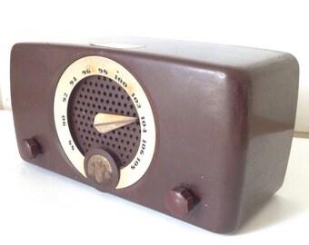 Antique 1950's Zenith Radio Brown Bakelite Non Working Tube Radio Model 7H918