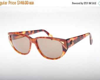 SALE -15% Fendi classy vintage ladies cateye havana sunglasses with golden details, NOS 80s