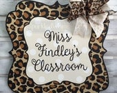 Personalized Teacher Sign teacher decor Classroom Decoration, End of year gift, door hanger, door decor Leopard Print (Cream, White)
