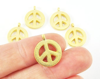 5 Peace Symbol Pendant Charms - 22k Matte Gold Plated
