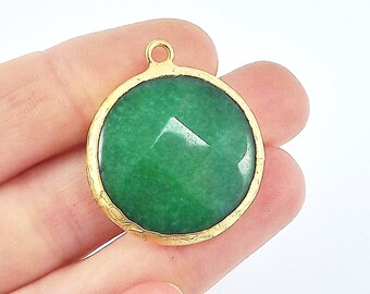 26mm Emerald Green Faceted Jade Pendant - Gold plated Bezel - 1pc