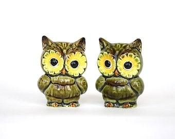 Owl Salt & Pepper Shakers - Owl Decor - Ceramic Owl Figurines - Owl Kitchen Decor - Owl Gift - Vintage Salt Pepper Shakers - 1970s Decor