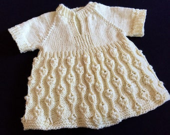 2T Buttercream Eyelet Top