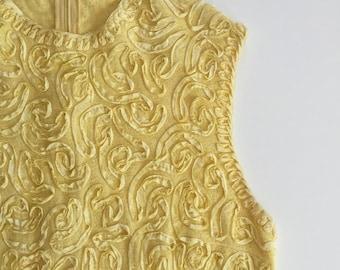 Vintage Tunic Top Yellow Mod Top Ribbon Aplique Details