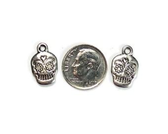 Antique Silver Skull Head Charms 6 QTY (SH02)