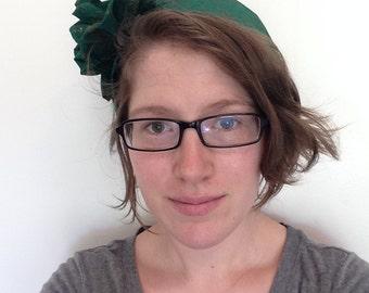 Green bouquet bonnet