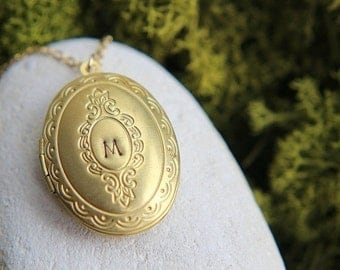 SALE Personalized Locket Necklace, Gold Plated Brass Initial Locket Necklace, Vintage Oval Locket Pendant, Personalized Jewelry, Bridesmaid