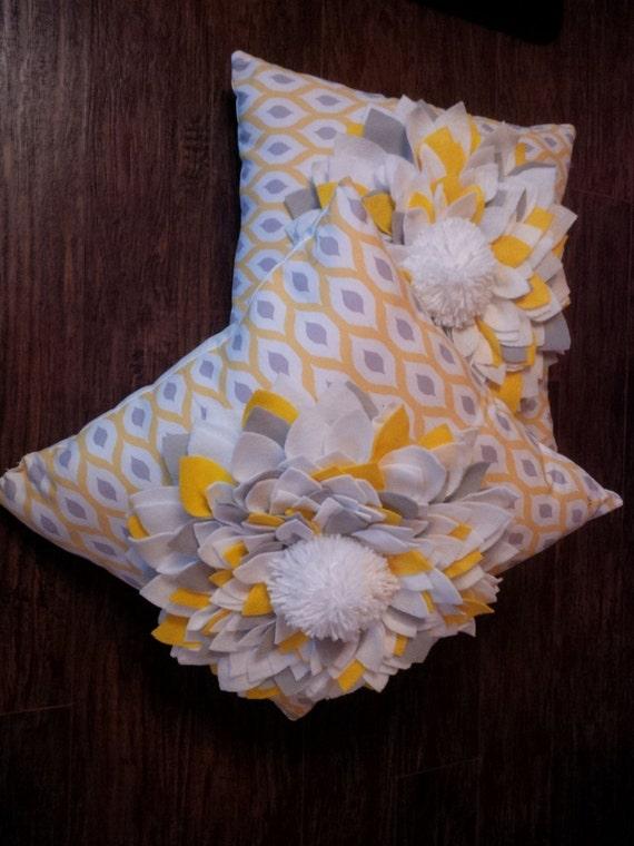 Cute Tumblr Pillows Etsy : Super Cute Felt Flower Pillows
