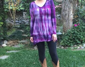 Tunic Top Woman, Tunic, Tie Dye, Tunic Top, Womans Tunic,  Long Sleeve, Split bottom, Shades of Purple & Fuchsia, XS S L, V Neck