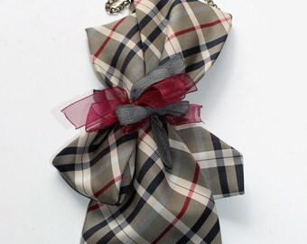 Collar tie - clip