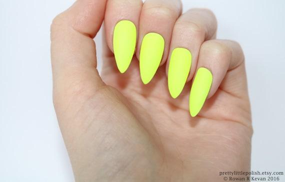 yellow matte nails - photo #15