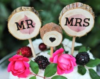 Cedar wood cake topper, wedding cake topper, rustic wedding, mr mrs cake topper