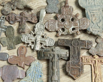 archaeological finds / Lot of 15 antique crosses and parts of crosses / antique cross / digging found objects / antique jewelry