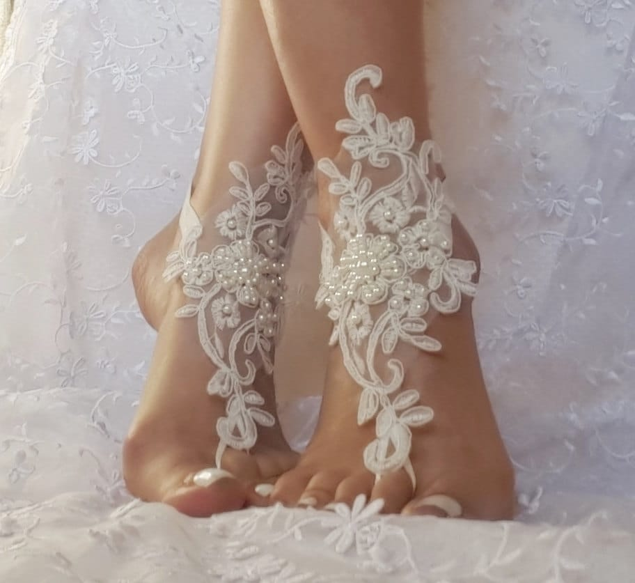 Free ship white or ivory beach wedding barefoot sandals wedding free ship white or ivory beach wedding barefoot sandals wedding shoes prom party steampunk bangle beach anklets bangles brid bridesmaid gift junglespirit Images