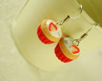 cupcake earrings - food jewelry
