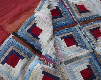 Lovely Old Cape Cod Quilt!   Log Cabin - Courthouse Steps.  74 x 68