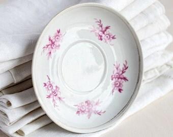 Small bread plate_white porcelain_purple floral design_retro butter plate_cottage chic dishes_farmhouse kitchen decor_botanical pattern