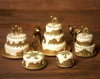 "Charming Miniature Christmas Cake ""Snowflake"" for Your Dollhouse"