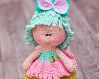 Dolly in the skirt crochet pattern