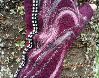 Mittens with thumb, fingerless, plum-colored boiled wool, grey/pink felting, silver and strass