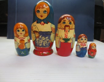 Signed Vintage Russian Matryoshka Nesting Dolls 5 pcs
