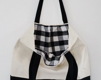 Picnic at the Park Square Tote