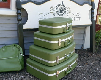 Go Retro: set of green nestable suitcases - 5 pieces with keys [LS]