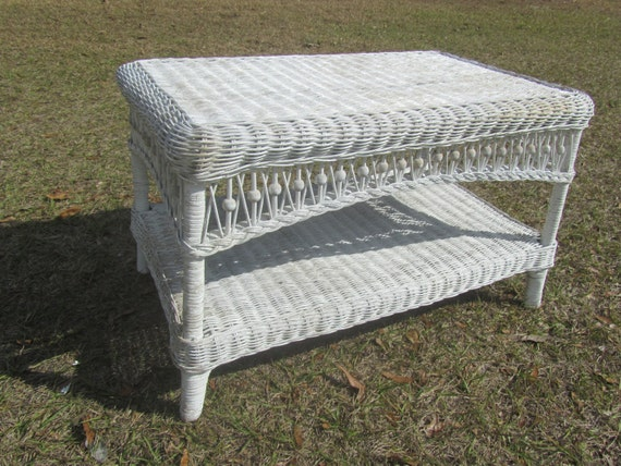 Shabby chic wicker coffee table wicker table vintage table - Shabby chic outdoor furniture ...