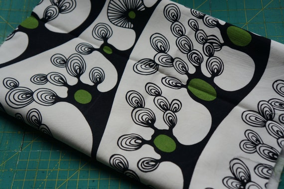 Back white and green cotton craft fabric upholstry fabric Ireland Dublin