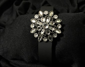 Rhinestone Vintage Flower fitbit Flex or Charge Bling Bracelet Cover ** FREE SHIPPING within the U.S.**