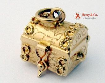 Vintage Retro 14K Gold Treasure Chest Charm