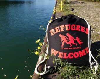 Refugees welcome - gym bags, Red
