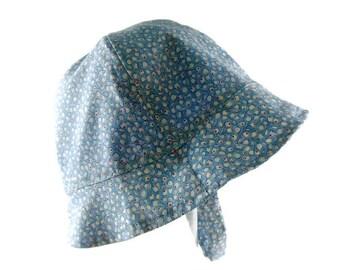 Childs summer hat, bucket hat, toddler sun hat, 12 to 36 months, childs brimmed hat, blue and white hat, childs beach hat, childs summer hat