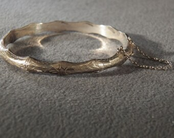 Vintage Sterling Silver Domed Fancy Etched Scalloped Edged Bangle Bracelet Jewelry **RL