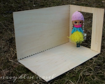 DIORAMA roombox 1:6 scale DIY blank base set with 2 walls and one floor, one precut DOOR opening, dollhouse for Blythe