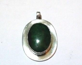 Pendant of silver and Malachite