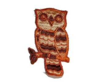 70s Owl Patch SURPRISE, Embroidered Sew On Applique Warm Earth Tones Vintage BOHO Embroidery Owl Lovers Gift 1970s Retro Animal Bird Badge