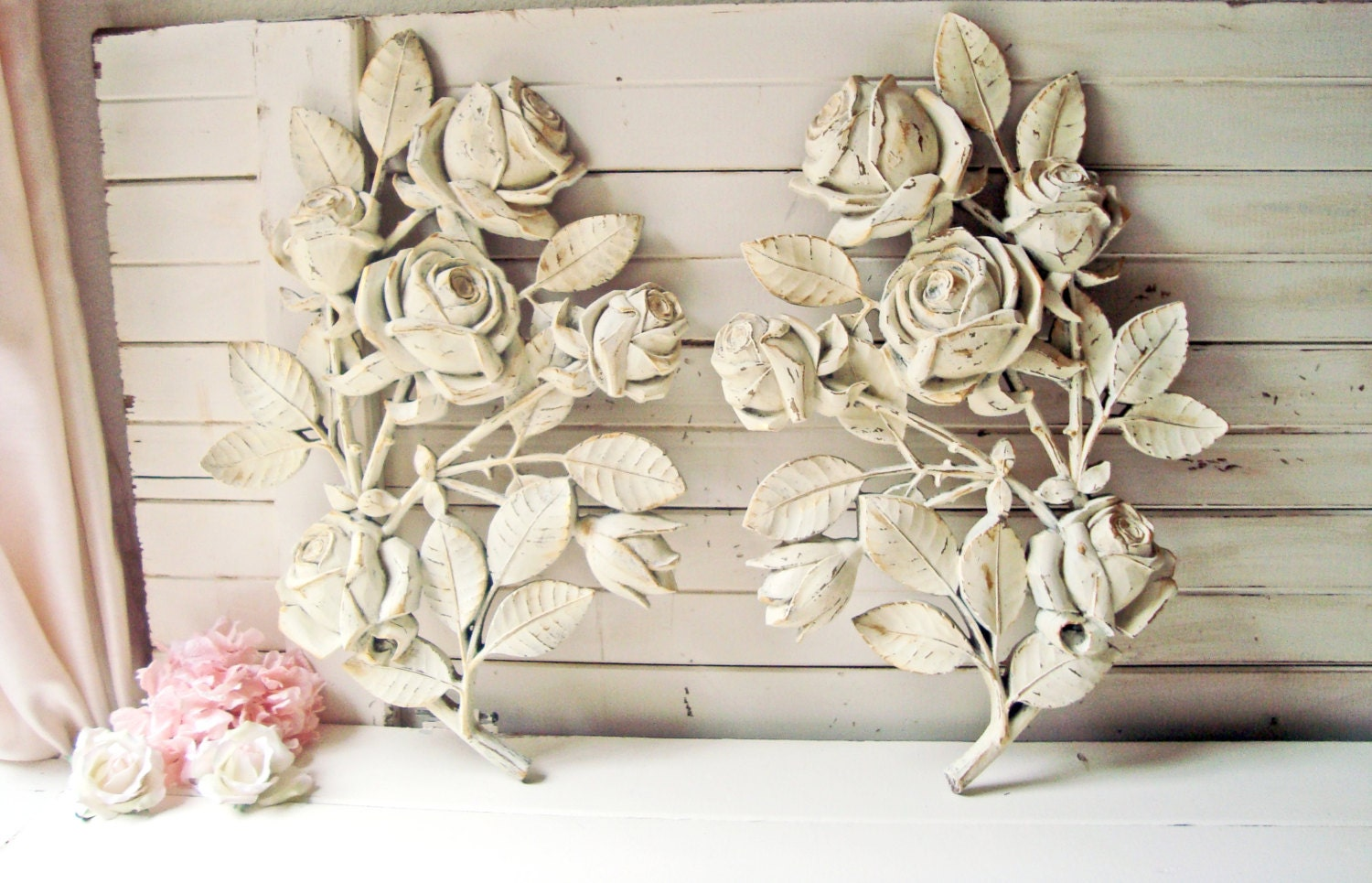 Shabby chic cream floral wall hangings rose wall decor homco for Shabby chic wall art