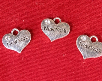 """5pc """"New York"""" charms in antique silver style (BC1089)"""
