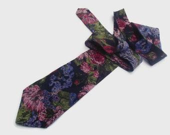 Vintage Floral Silk Necktie / 100% Italian Silk Tie