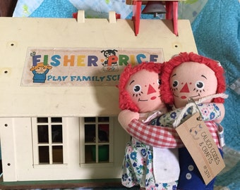 Vintage 1973 embrassing raggedy ann and andy dolls